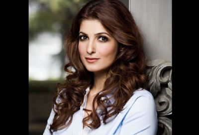 Akshay Kumar and Twinkle Khanna got a legal notice: Twitter controversy