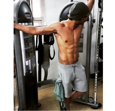 Too hot to handle! Sushant Singh  flaunts his chiseled abs