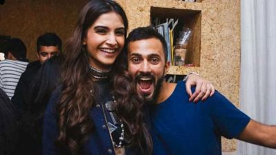 check out the adorable video of Sonam stealing a kiss