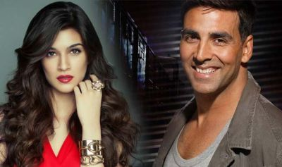 Akshay Kumar to romance Kriti Sanon in Sajid Khan's Housefull 4?