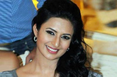 Divyanka Tripathi denies throwing tantrum on set of Yeh Hai Mohabbatein