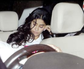 Anshula Kapoor hosted a dinner for sister Janhvi and Khushi Kapoor