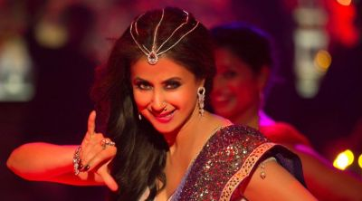 Blackमेल: Urmila Matondkar makes a comeback in Bewafa Beauty song