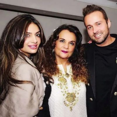 'She is healthy and looking beautiful as always' Mumtaz's daughter on death rumours of her mother