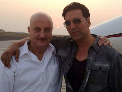 Akshay Kumar thanks Anupam Kher for his support at a difficult time
