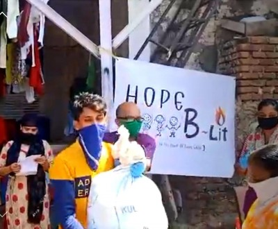 Celebrities Hails Hope B~Lit Organization's Food Distribution Program