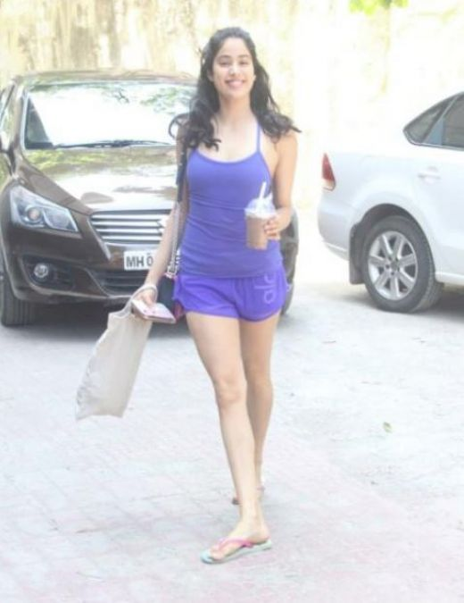 After gym Janhvi Kapoor herself to some coffee