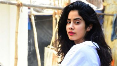 Janhvi Kapoor looks beautiful in her recent ethnic attire