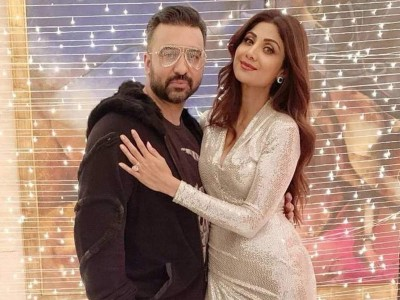 Karva Chauth: Shilpa Shetty's hubby Raj Kundra posts two hilarious pictures in social media