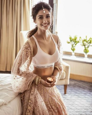 Here is Disha Patani's bold and hot Diwali look