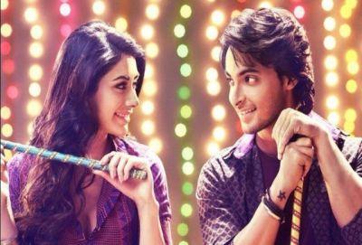Watch Riteish Deshmukh & BobbyDeol dancing to LoveYatri's Chogada