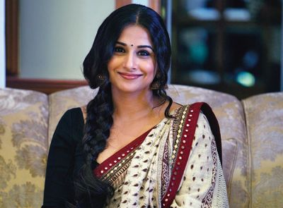 See how Vidya Balan reacted when asked about SRK
