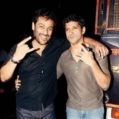 Farhan Akhtar approaches Rock On director Abhishek Kapoor for a project