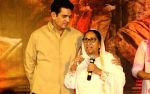 What Made Omung Kumar to make Sarbjit, after quitting on Biopics scripts?