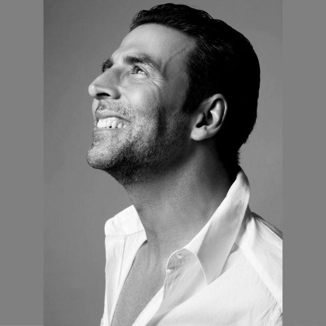 'मैं दर्शकों को हंसाने का हुनर सीख रहा हूं'.......