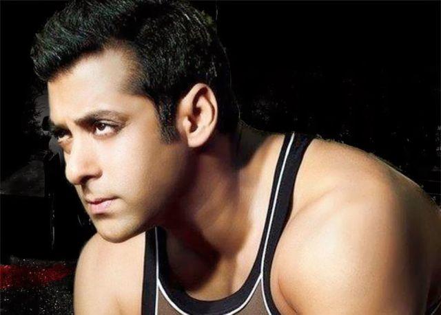 सिर्फ फिल्म ही नहीं वेट मे भी आमिर को टक्कर देने को तैयार सलमान