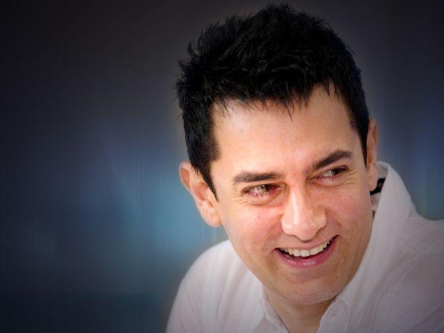 आमिर के पोस्टर का बना मजाक