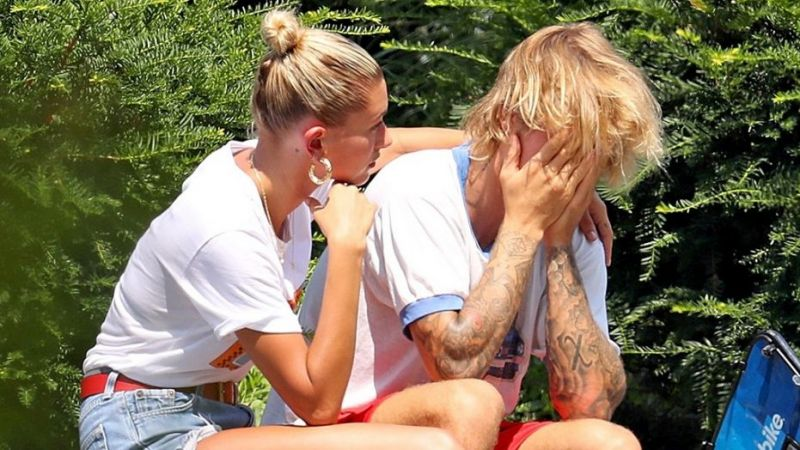 Explanation of Justin Bieber on crying with her fiance at a park
