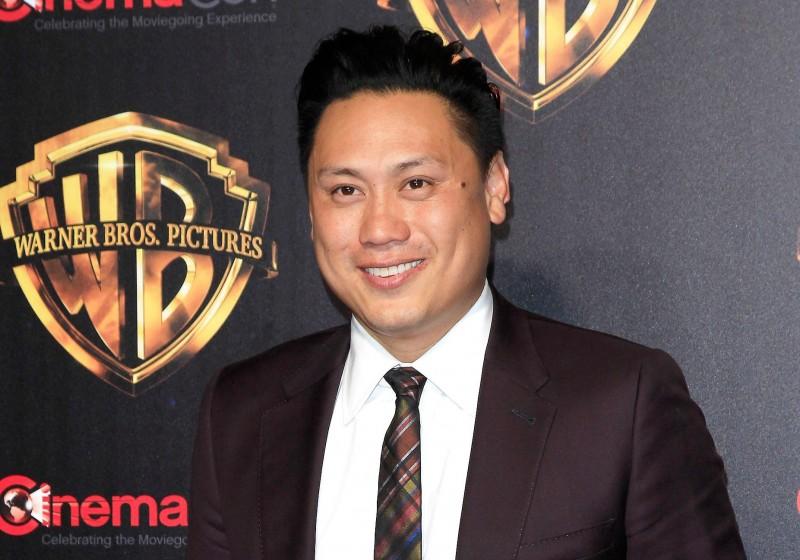 क्रेजी रिच एशियाइयों के निर्देशक जॉन एम चू ने 2018 की फिल्म में दक्षिण एशियाई पात्रों की आलोचना का दिया जवाब