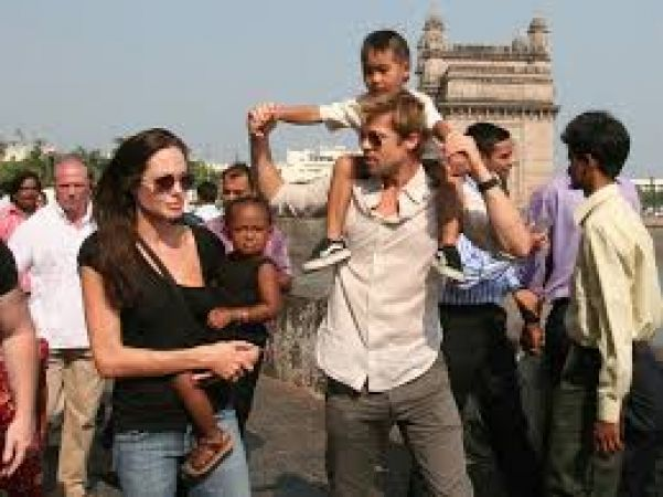 Brad Pitt to vacation with children before  custody trial with Angelina Jolie on December 4