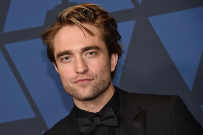 Robert Pattinson celebrates 'real-life corona heroes'