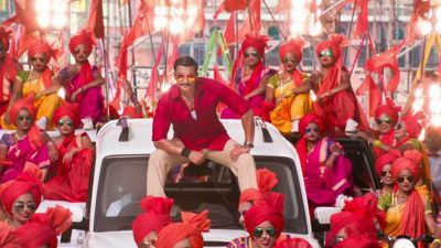 Simmba new song 'Aala Re Aala'-Ala' out : Ranveer Singh shows off his 'Lavani' skills  to force you shaking legs