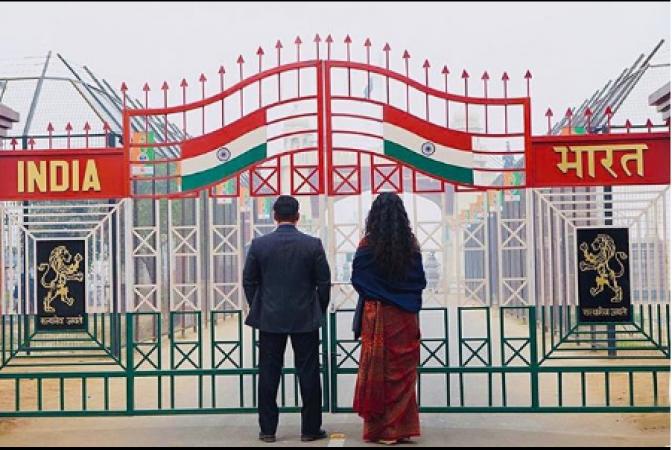 Bharat first look out: Salman Khan and Katrina Kaif standing at the Wagah border