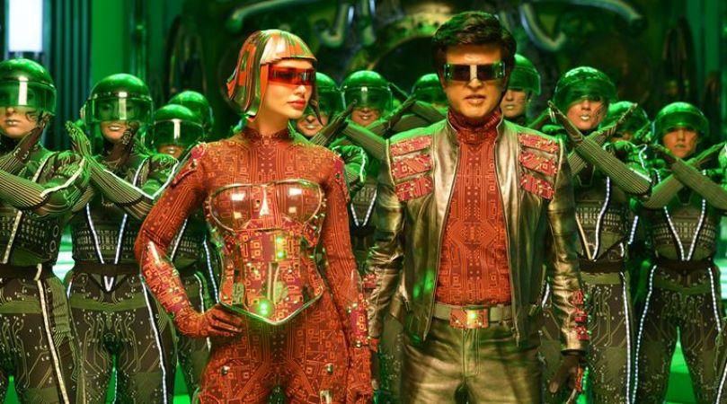 2.0 Quick Movie Review: Rajinikanth's Film has great  VFX But  Akshay Kumar make upset