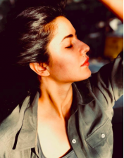 The radiant look of Katrina Kaif in this sun-kissed photo