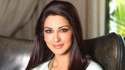 Sonali Bendre stuns in her latest photoshoot, check it out here