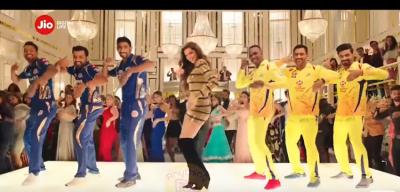 Must watch! Deepika Padukone and Dhoni's dance video getting viral