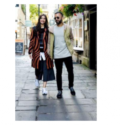 Anand Ahuja shares throwback photo with Sonam Kapoor