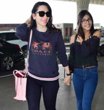 Karisma Kapoor and daughter Sameira Kapur spotted in all black outfit