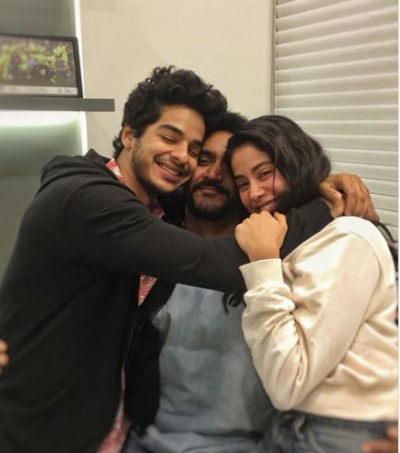 Janhvi Kapoor shares an endearing photo with her co-star Ishaan Khatter