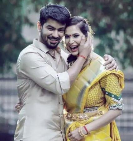 Mahat Raghavendra gets engaged to girlfriend Prachi Mishra