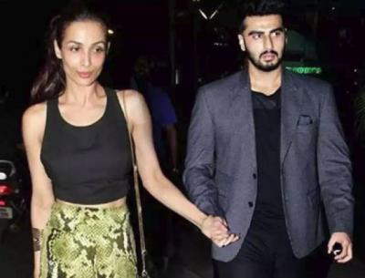 Arjun Kapoor lost calm when photographers blocked Malaika Arora's way