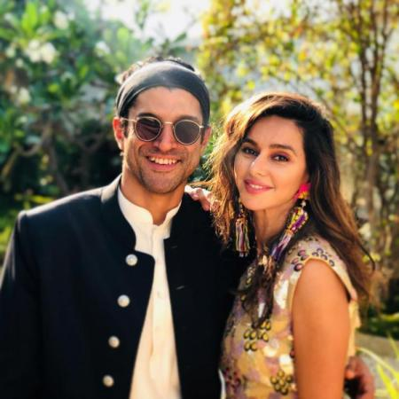 Farhan Akhtar and girlfriend Shibani, gives couple goals to us
