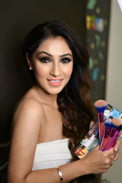 Manleen Puri's wonderful touch in make-up makes her celebrity's favourite artist