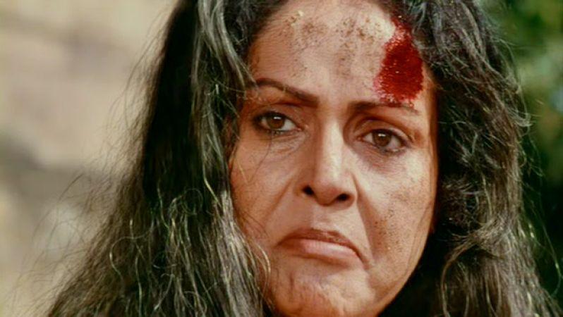 Happy Birthday to Rakhee Gulzar : A mother who hopes ' Mere Karan Arjun Ayenge'