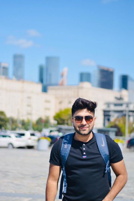 SIDDHARTHA TANEJA : A young Entrepreneur living the essence of travelling by exploring the world