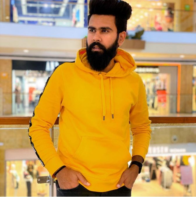 Youtuber Dheeraj Dixit Hit For His Entertaining Videos Among Netizens By Name Karam Jale