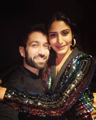 Nakuul Mehta, Surbhi Chandna's selfie will make you miss 'Shivika Forever'