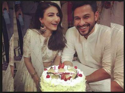 Soha Ali Khan and Kunal Kemmu celebrating their fourth wedding anniversary.