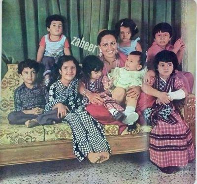 Hrithik Roshan childhood picture with Twinkle Khanna, Tusshar Kapoor, and Ekta Kapoor
