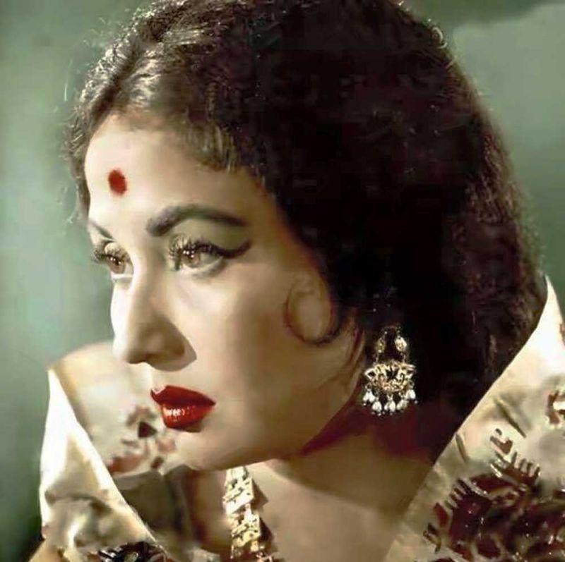 bollywood-ke-kisse-actress-meena-kumari-unknown-facts-and-biography-मीना कुमारी