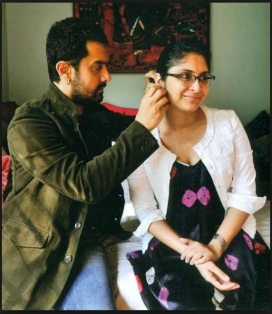 """Aamir Khan Shares a pic with her """"baiko"""", shows the warmth of marriage bond"""