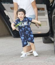 Bollywood youngest star Taimur Ali Khan spotted in Bandra….pics in slider