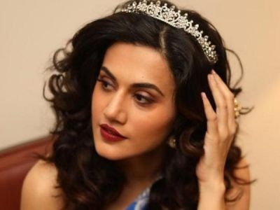 Taapsee Pannu wears a crown like a Queen, see pic here