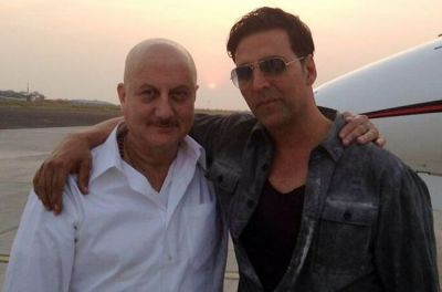 Anupam comes in support of Akshay Kumar, asks him to stop explaining his loyalty towards country