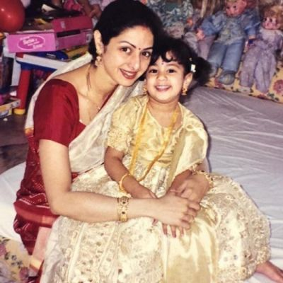 Janhvi Kapoor shares a throwback picture with her mom Sridevi on Mother's day